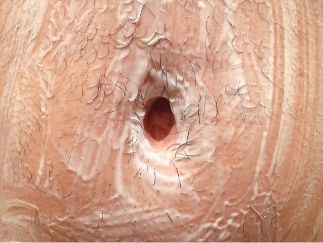 除毛クリームを塗りへそ毛(ギャランドゥ)が溶けるまで5~10分待つ