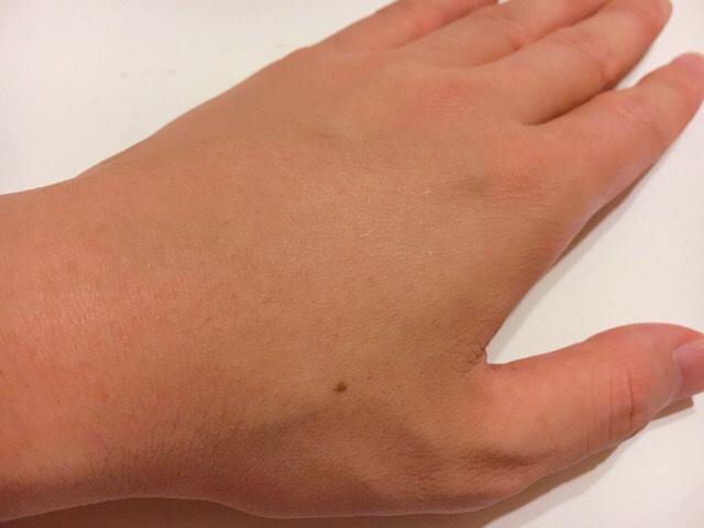 除毛クリームで手の甲の毛を処理した結果